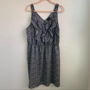 Mossimo v neck ruffle dress| black | XXL